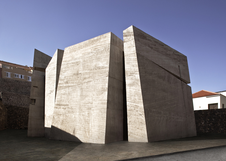 Modern templom Laguna szigetén